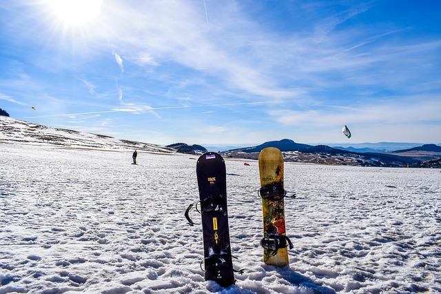 snowboard-2490388_640